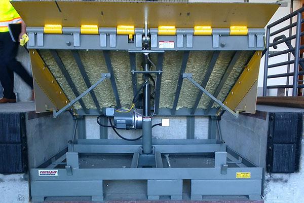 portland oregon, hydraulic dock leveler